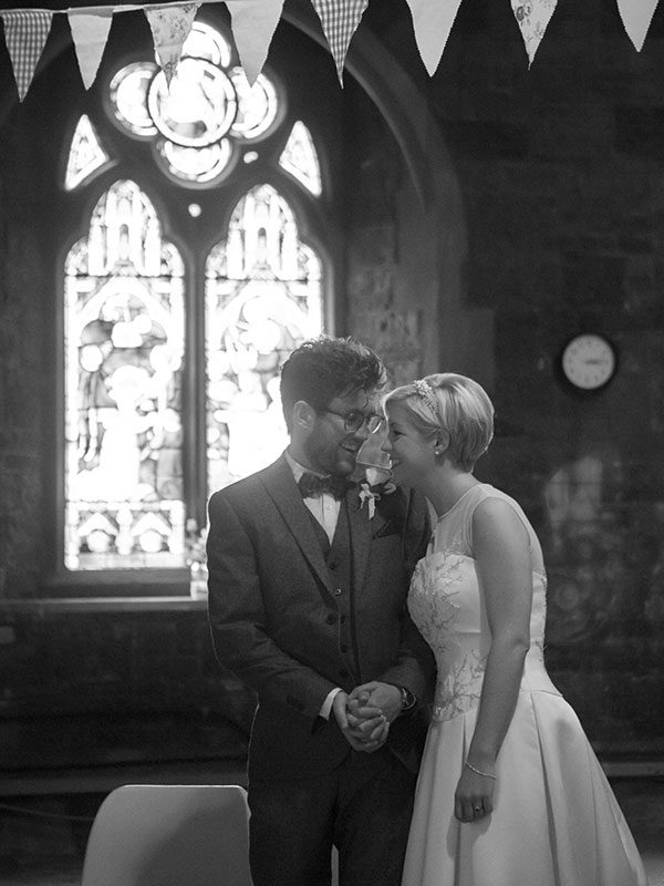 14-stonelock-bristol-woodlands-church-autumn-wedding