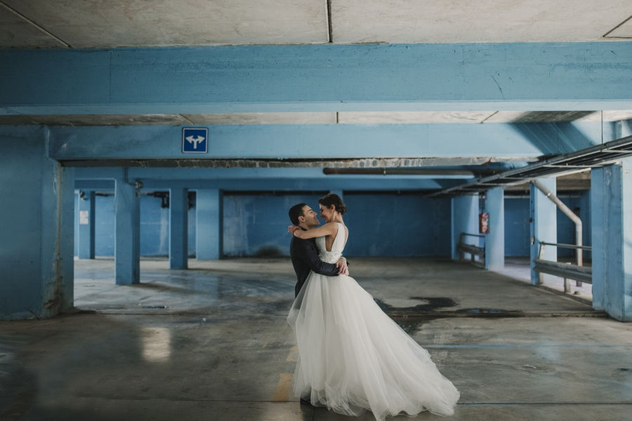 How to Become a Wedding Photographer
