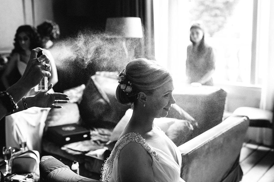 46 Stunning Black & White Wedding Photos