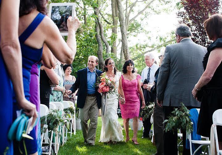 iPads at Weddings? Go unplugged