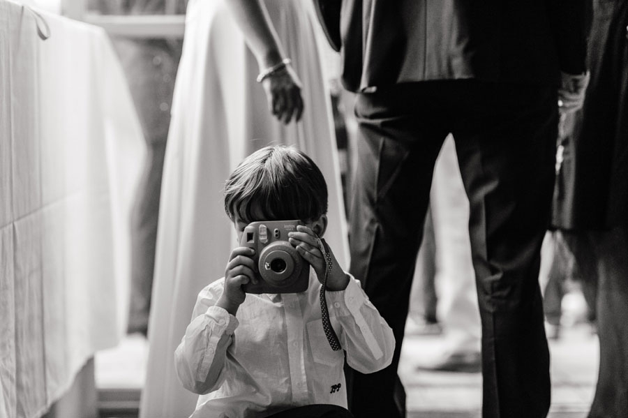 39 Fun and Cute Photos of Kids at Weddings