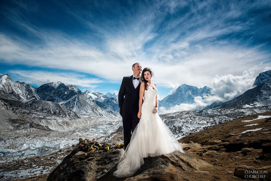 Epic Mount Everest Wedding After Trekking For 3 Weeks with their Photographer!