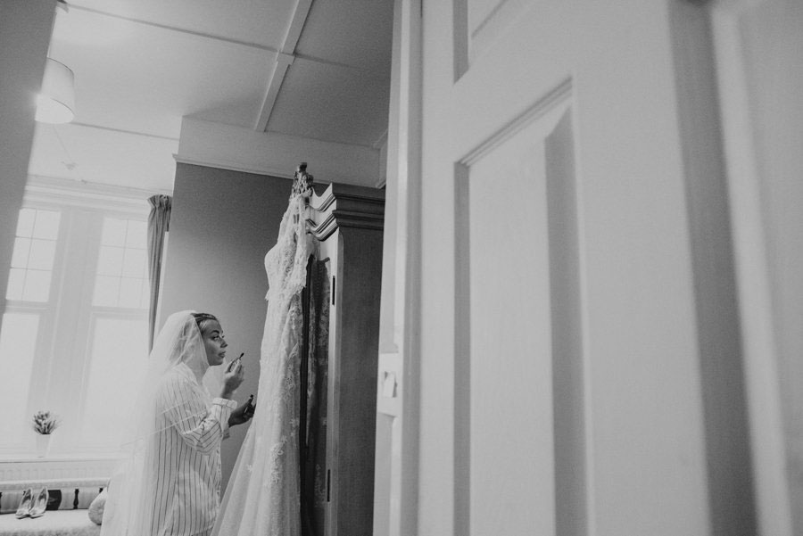 Must-Have Getting Ready Photos for Your Wedding