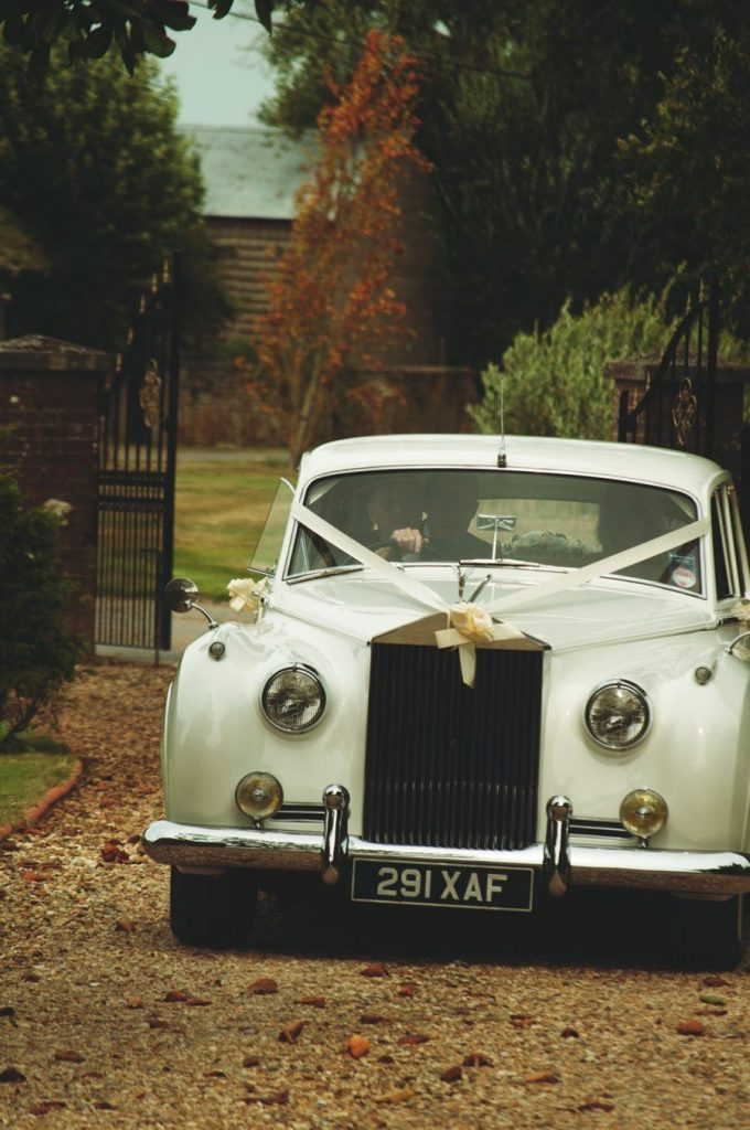 white-car-wedding-photography