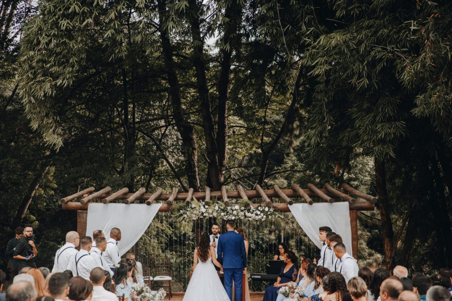 Does a Wedding Photographer Need to Visit My Venue Beforehand?