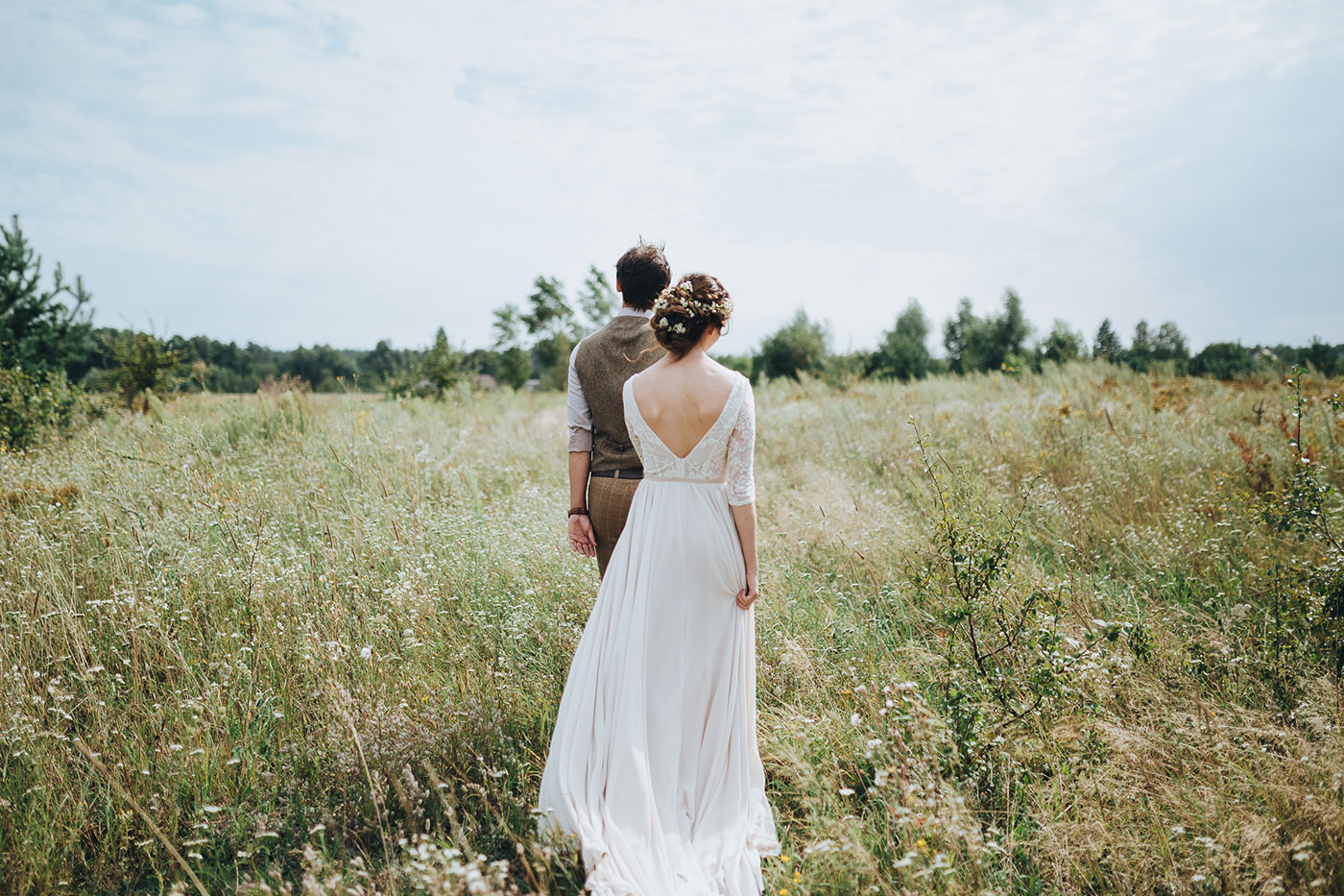 How Many Hours Should you Hire a Wedding Photographer for?